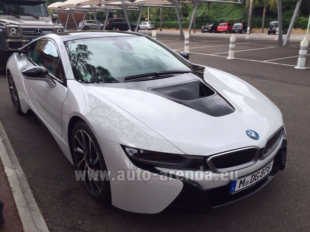 Hire and delivery to Courchevel the car BMW i8 Coupe Pure Impulse