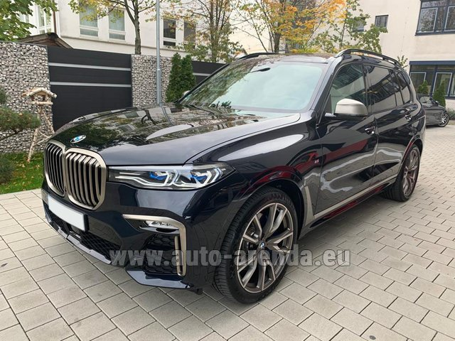 Hire and delivery to Courchevel the car BMW X7 M50d