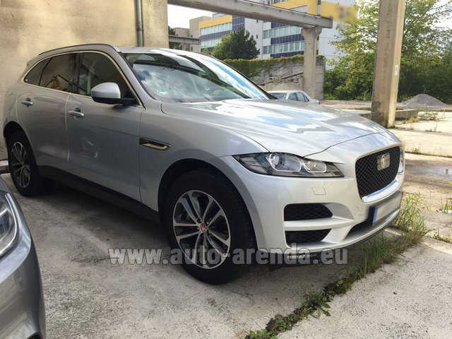 Hire and delivery to Val Thorens the car Jaguar F-Pace