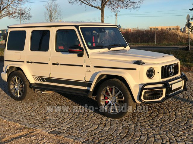 Rental Mercedes-Benz G 63 AMG White in Saint-Jean-de-Maurienne