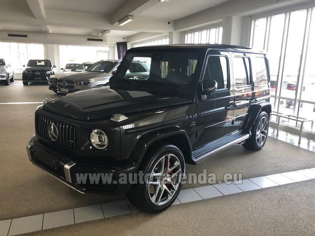 Rental Mercedes-Benz G63 AMG V8 biturbo in Saint-Jean-de-Maurienne