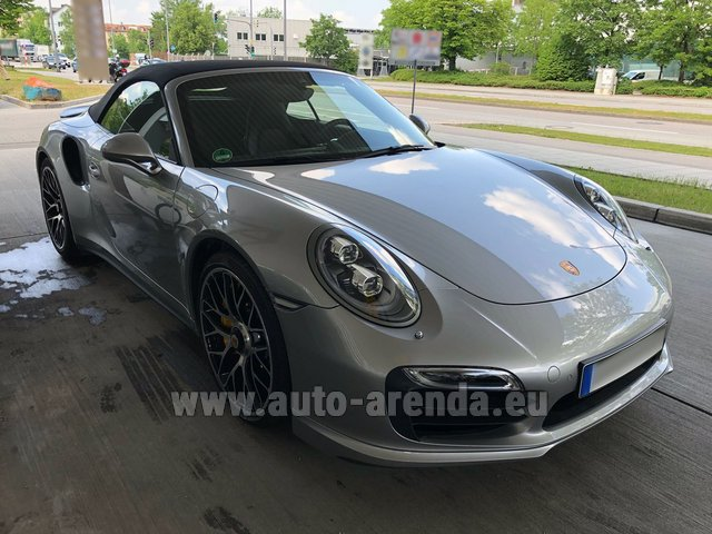 Hire and delivery to Saint-Martin-de-Belleville the car: Porsche 911 991 Turbo S