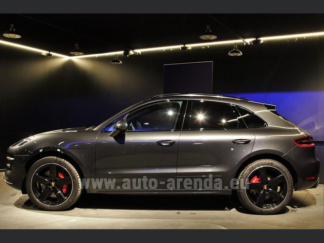 Hire and delivery to Val Thorens the car Porsche Macan S Diesel 3.0