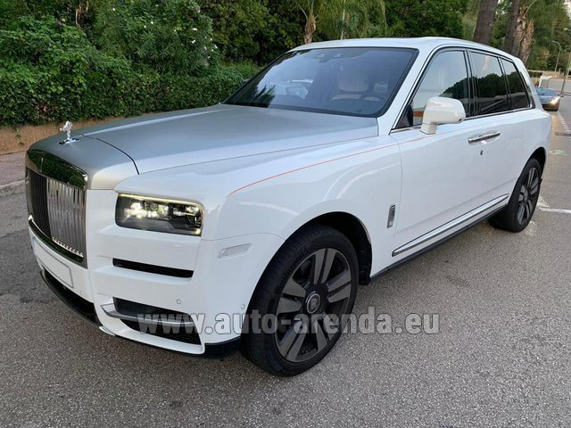 Hire and delivery to Val Thorens the car Rolls-Royce Cullinan White