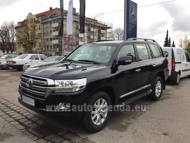 Rental Toyota Land Cruiser 200 V8 Diesel in French Riviera