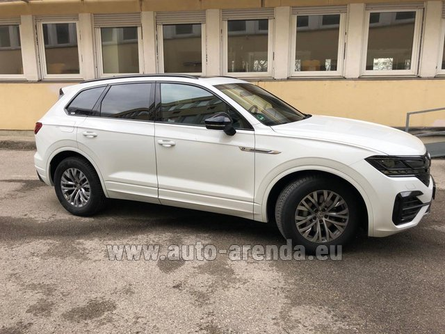 Hire and delivery to Les Deux Alpes the car Volkswagen Touareg R-Line